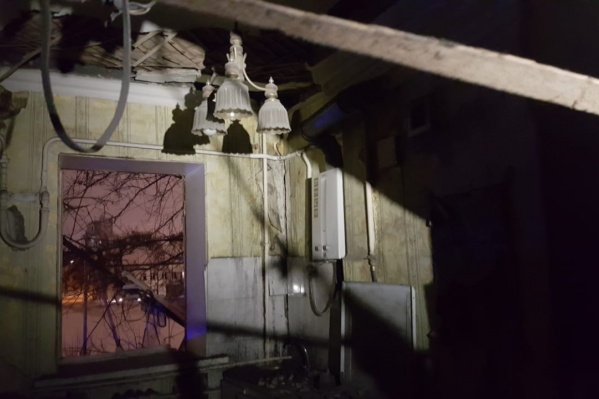 Взрыв произошел в одной из квартир поздно ночью