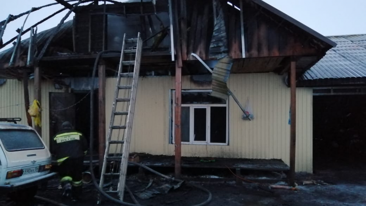 В Барабинске при пожаре погибли 6-летняя девочка с отцом