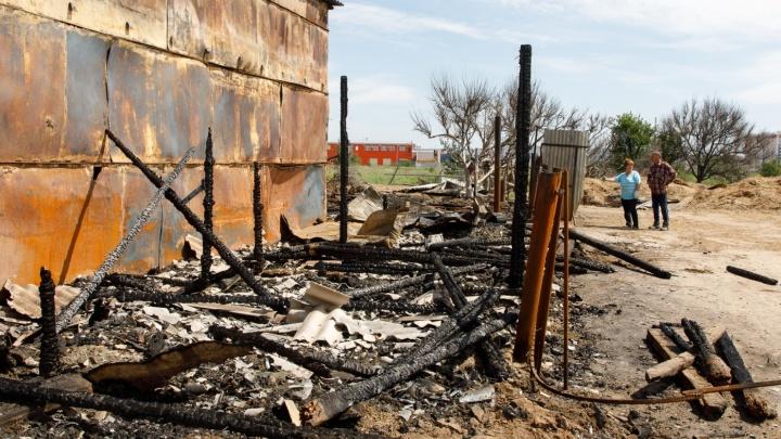 «На улице отказался от своих слов»: волжане защищают подростка, обвиненного в пожаре на конюшне