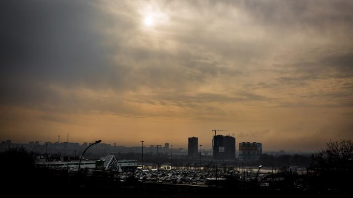 В Новосибирске резко ухудшилась атмосфера: воздух стал опасен