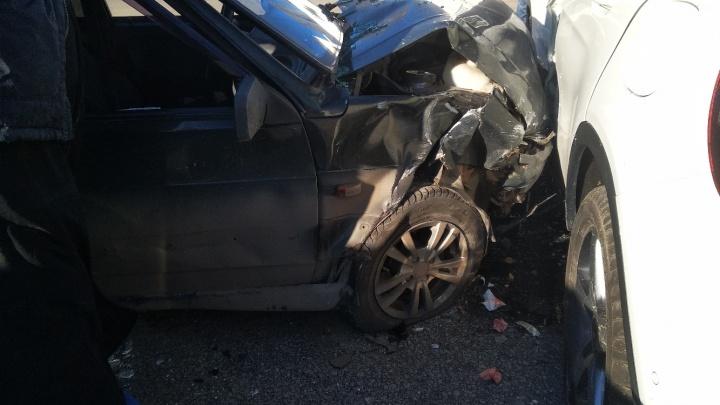 «Он рассчитывает на страховку»: волгоградские священники попали в аварию с лихачом на Mercedes
