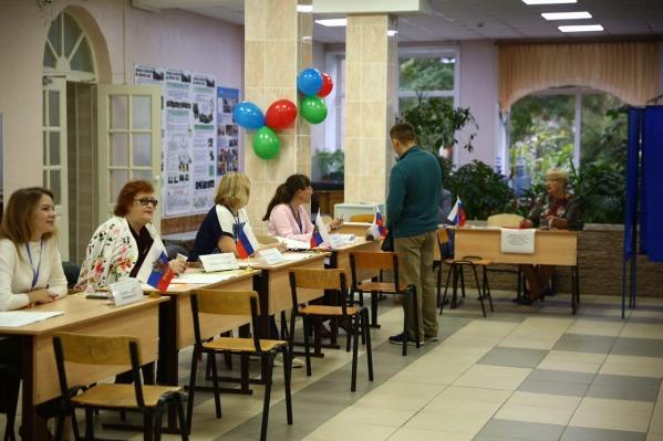 Корреспонденты НГС убедились в том, что утром на участках было совсем мало избирателей