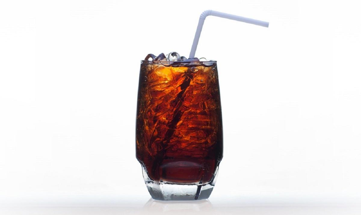 Напитки на заменителях сахара не помогают худеть