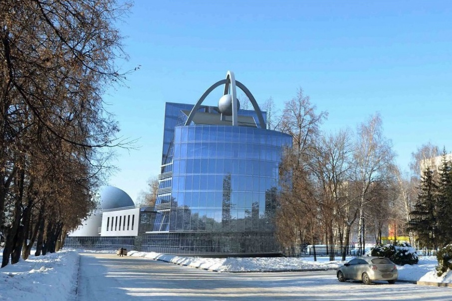 Как признался Анатолий Денисов, здание планетария, открытое в 1964 году, в реконструкции нуждается давно