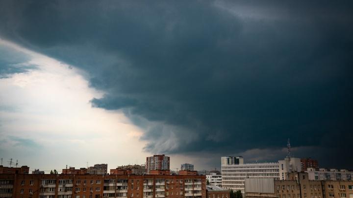 Поплыли: показываем последствия сильного ливня, обрушившегося на Ростов