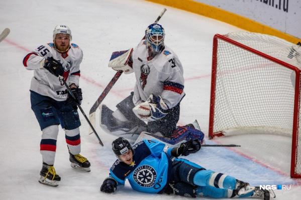 Игра проходила в Новосибирске, в ЛДС «Сибирь»