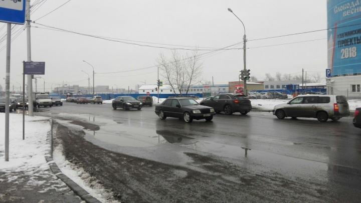«Отработали качественно»: в мэрии оценили уборку улиц после снежной ночи