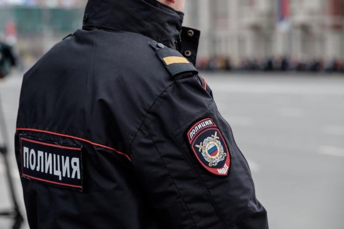 На место происшествия в Октябрьском районе прибыли сотрудники полиции и скорой помощи. Ребёнок был госпитализирован
