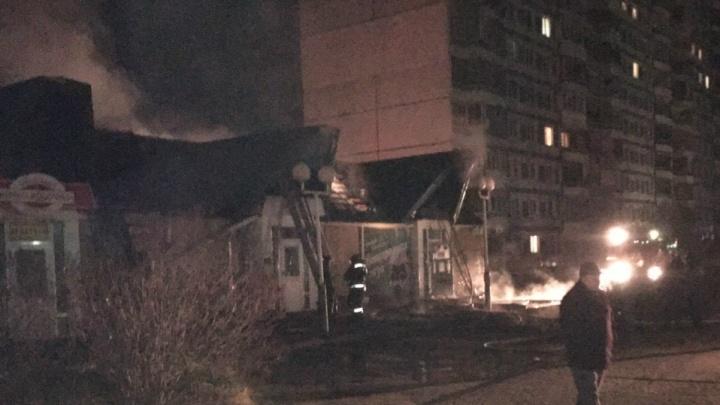В Ярославле сгорел ночной алкомаркет