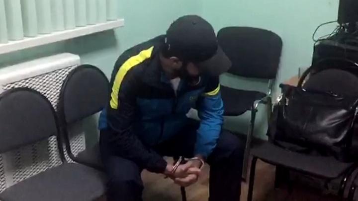 Спирт с красителями и ароматизаторами: в Волгограде «химичили» дорогой алкоголь на грязном складе