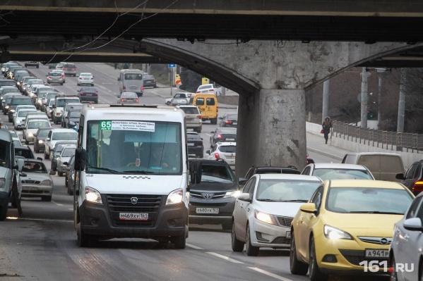 В центре Ростова из-за ремонта дороги произошел транспортный коллапс