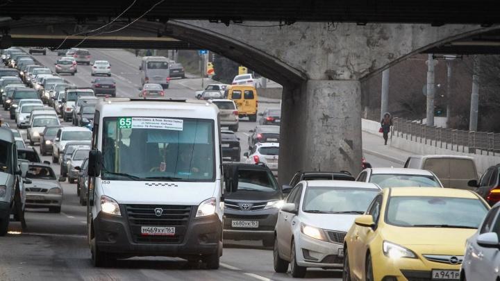 Осторожно, пробки: из-за ремонта дороги нельзя проехать по Нагибина