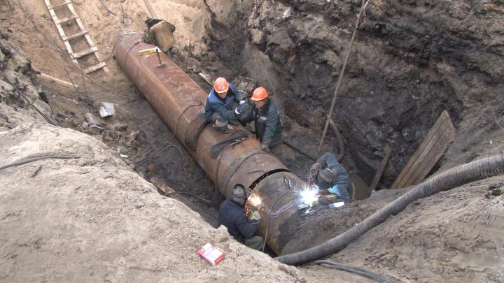 Из-за ремонтов центр Архангельска остался без тепла до вечера и на ночь — без воды