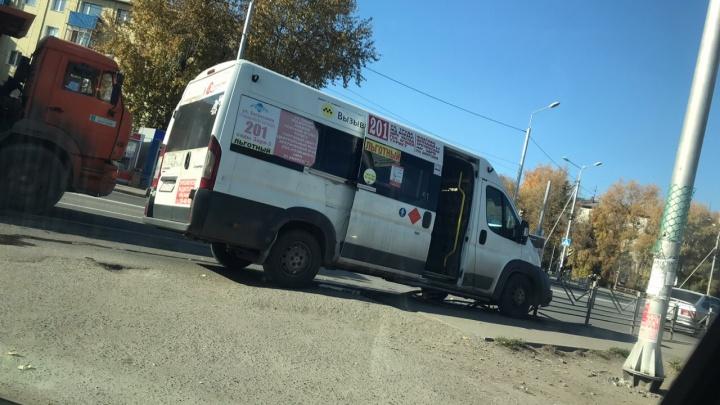 Две пожилые женщины пострадали в ДТП с маршруткой на 21-й Амурской