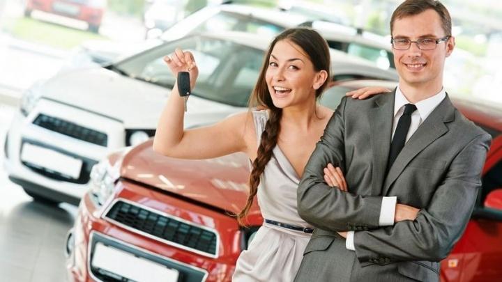 Дилер объяснил, почему с 1 июля российским семьям стало проще купить машину