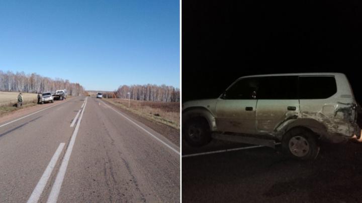 Пассажирский микроавтобус по дороге в Кодинск влетел в «Тойоту» на трассе