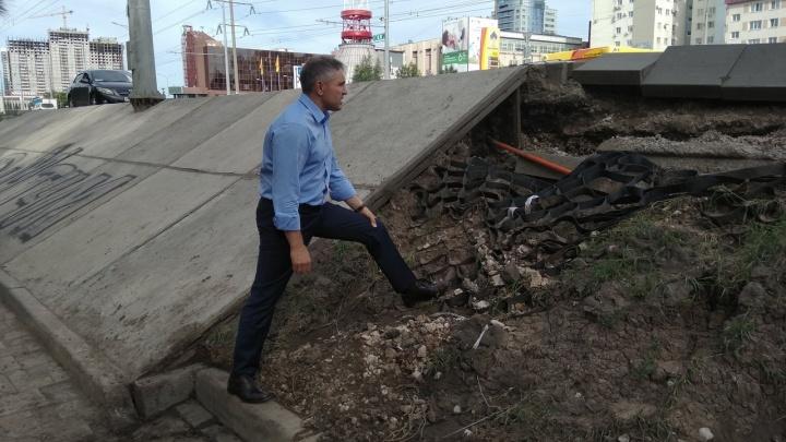 «Это негарантийный случай»: министр транспорта о размытии обочины Московского шоссе