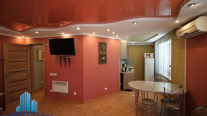 На Воронова продают студию с дизайнерским ремонтом и «умным» писсуаром по цене «двушки»
