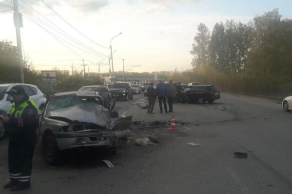 Медицинскую помощь попросили 4 пострадавших в аварии