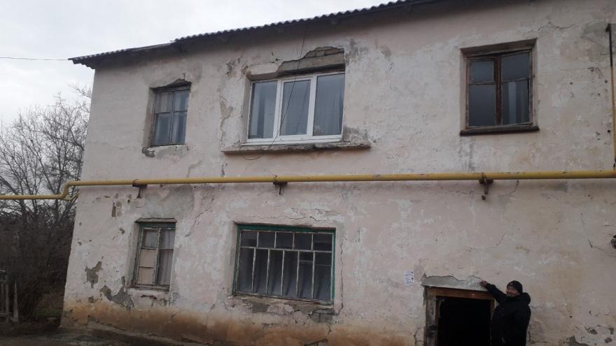 «Обещают отремонтировать в 2035 году, но мы не доживем»: жители Башкирии живут в аварийном доме