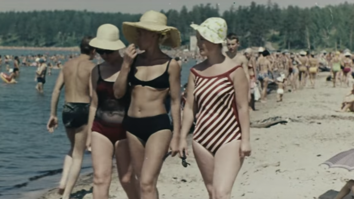 Нет пробок и все работают на заводах: новосибирцы отреставрировали фильм конца 60-х