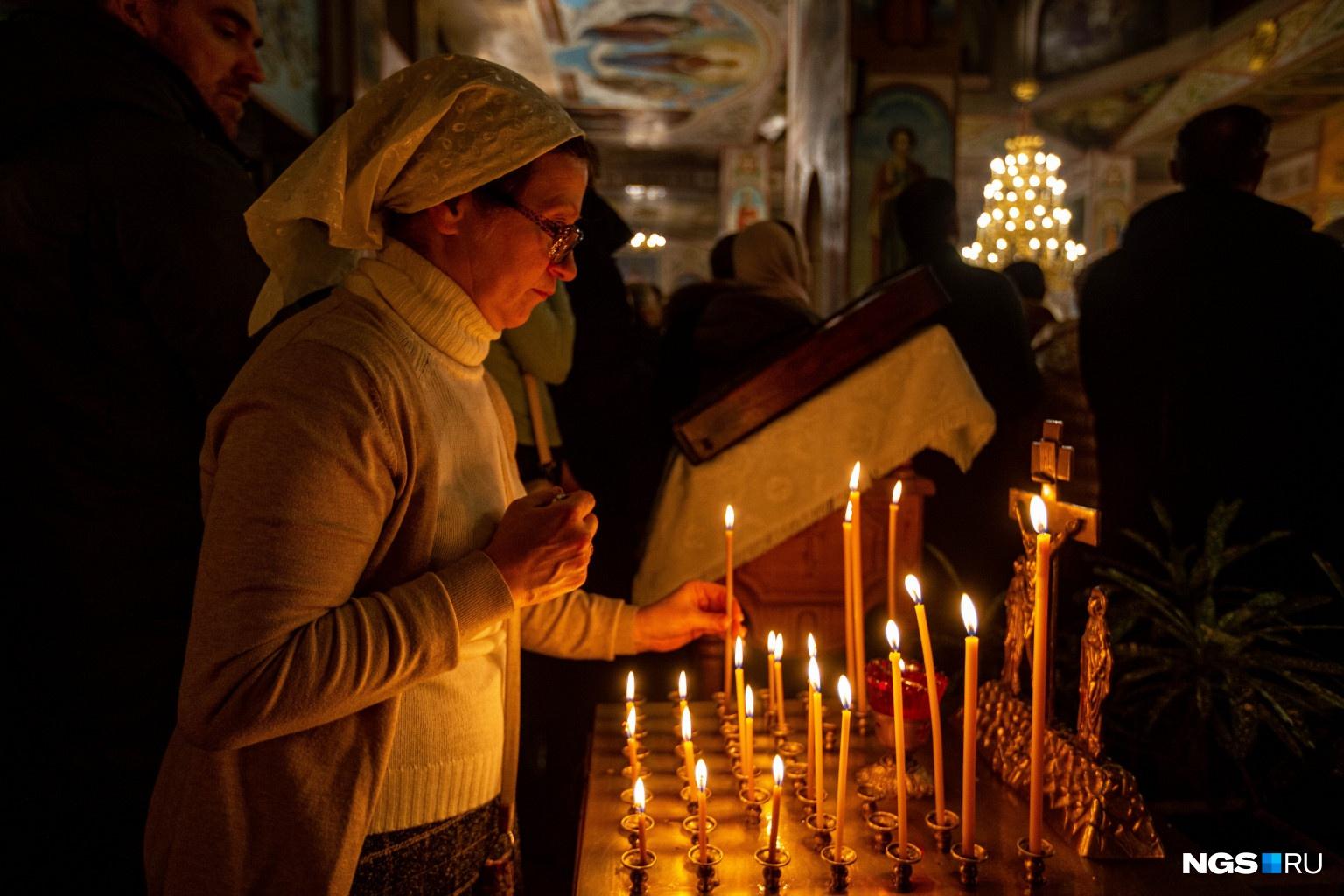 В полночь началась Божественная литургия