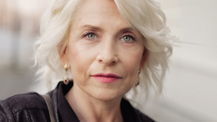 «В 55 лет забыла про тональный крем»: россиянка ведет дневник омоложения