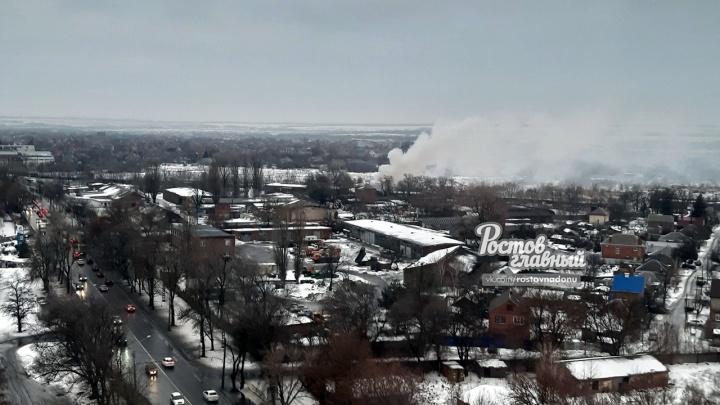 На ростовском деревообрабатывающем комбинате сгорел склад