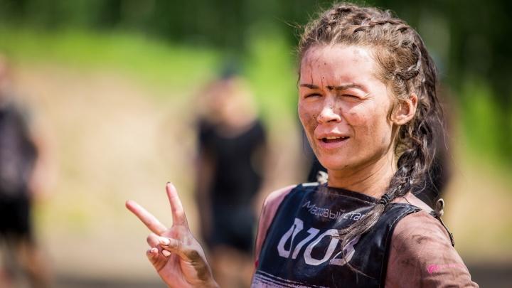 Все раздетые и в грязи: Instagram-репортаж с зрелищной гонки под Новосибирском