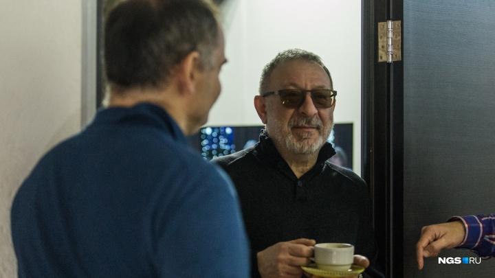 Маргулис заглянул в тайный новосибирский подвал, где готовят новогодний телеэфир для россиян