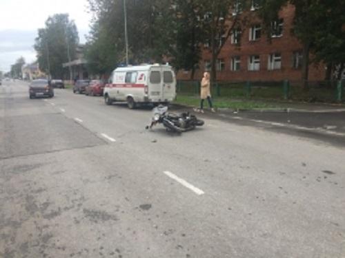 В Ярославской области после столкновения с иномаркой мотоциклист оказался в больнице