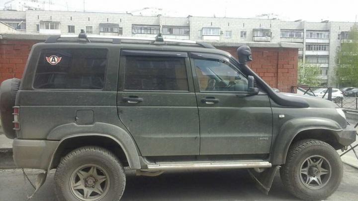 В Екатеринбурге приставы арестовали УАЗ Патриот, хозяин которого задолжал банку 400 тысяч рублей