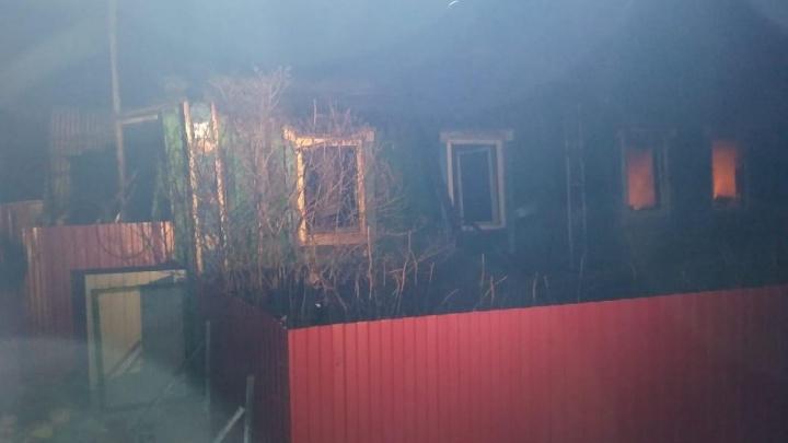 В Башкирии в пожаре погибли двое мужчин