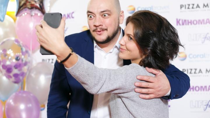 РезидентComedy ClubРоман Юнусов открыл новый комфортзал в уральском «Киномаксе»