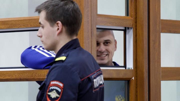 «Это моя делюга, и я несу наказание»: в Волгограде прошел суд по делу об убийстве Сергея Брудного