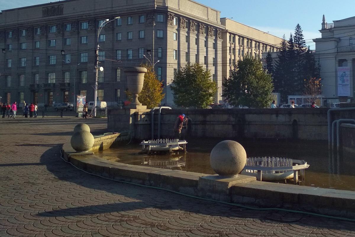 На следующей неделе фонтан украсят подсветкой