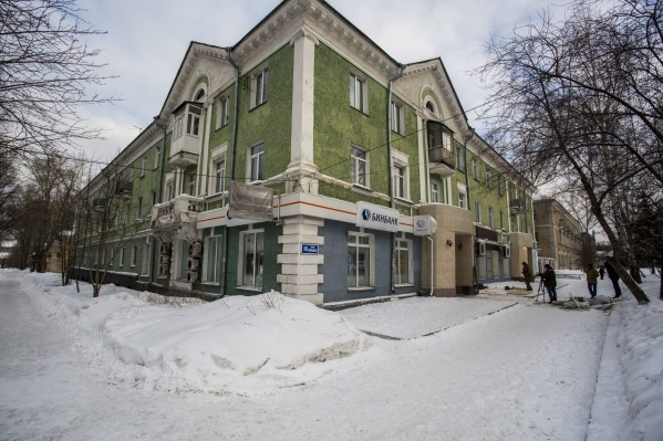 22 января рано утром были взорваны два банкомата в здании банка «Открытие» на улице Первомайская, 160