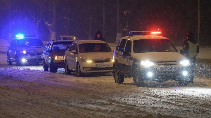 Полицейские предупредили волгоградцев о «нелетной» обстановке на дорогах