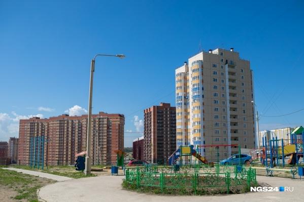 Летом жители Солнечного пожаловались на отсутствие инфраструктуры президенту Владимиру Путину
