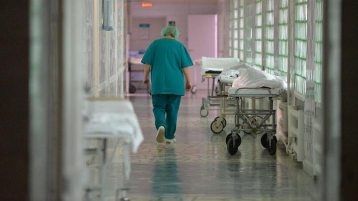 Прокурор запросил два года ограничения свободы для хирурга, который случайно убил тагильского хоккеиста