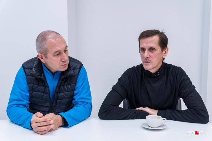 Спасатели Андрей Андреев и Владимир Тарасов работали на пожаре в «Хромой лошади»