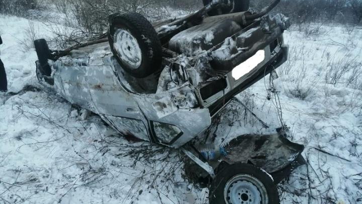Все пассажиры — с сотрясением головного мозга: в Волгоградской области перевернулась «четырнадцатая»