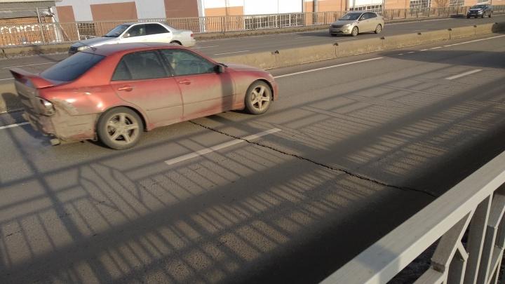 «Опасности разрушения нет»: чиновники решились на исследование трещин по Копыловскому мосту