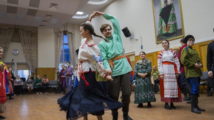«Потанцевать, чтобы никто не лапал»: репортаж с православной молодёжной вечеринки в Екатеринбурге