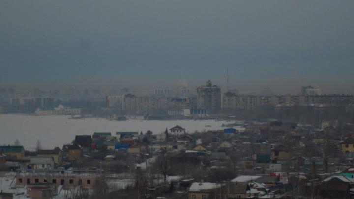 Челябинцы возмущаются выбросами, а Минэкологии приглашает их проверить загрязнение воздуха