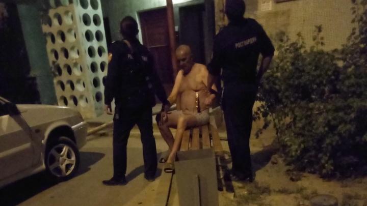 Волгоградец поджёг квартиру и воткнул нож себе в грудь
