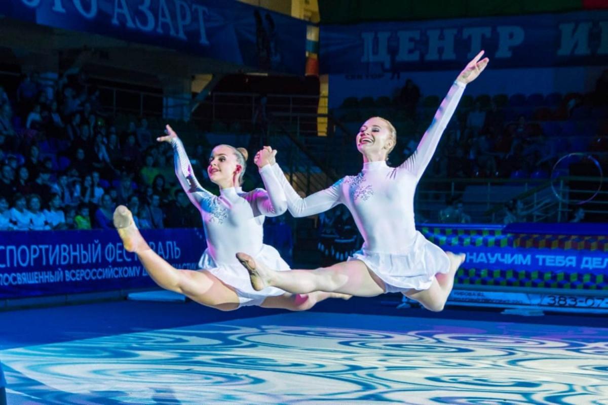 krasivaya-gimnastika-so-striptizom