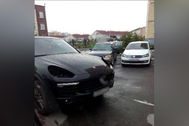 Машина лишилась передних фар