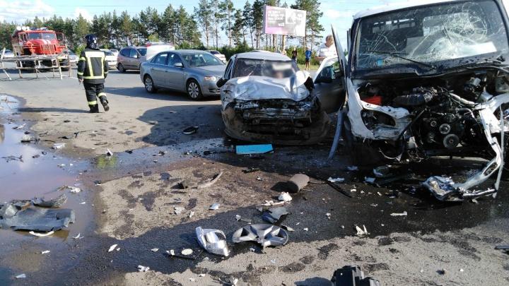 «Похоже, уснул за рулём»: в Челябинской области «Газель» столкнулась с тремя легковушками