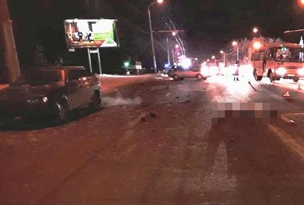 Сидел на дороге: в Уфе ночью насмерть сбили человека